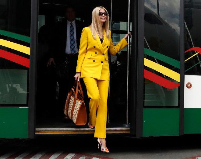 Ivanka Trump con traje amarillo de Zara.