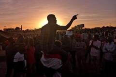 Trasladan a una cárcel al ex presidente Omar al Bashir