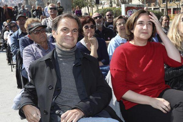 Jaume Asens y Ada Colau, durante un acto de campaña en Barcelona