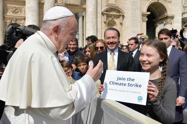 El Papa Francisco saludó hoy a la estudiante sueca Greta Thunberg.