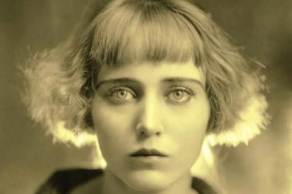 La pintora y poeta Carmen Mondragón, mejor conocida como 'Nahui Olin'.