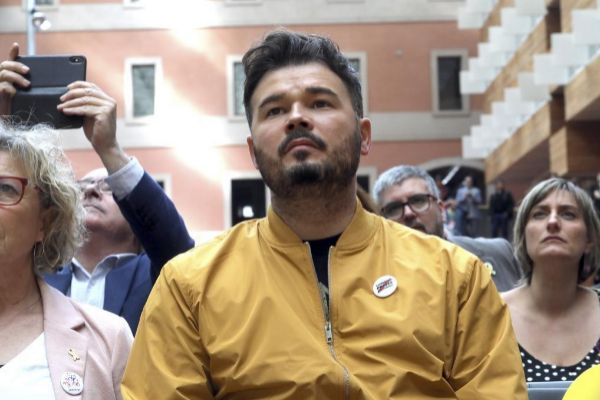 Gabriel Rufián: buena planta, buen pelo y mal estilo