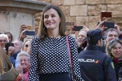 Doña Letizia entrando a la catedral de Palma para asistir a la isa de Pascua en 2018