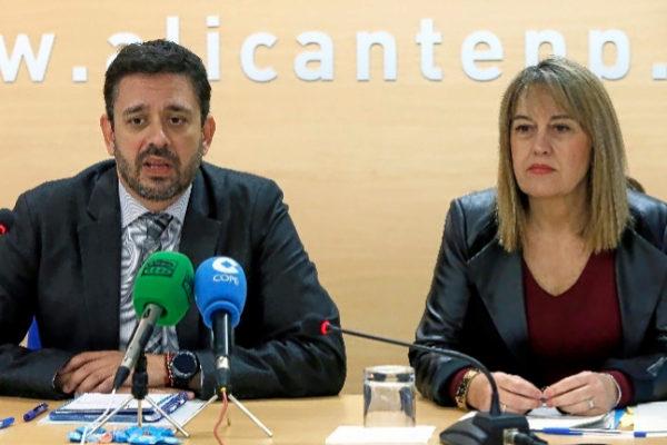 José Juan Zaplana y Remedios Yáñez en una comparecencia.