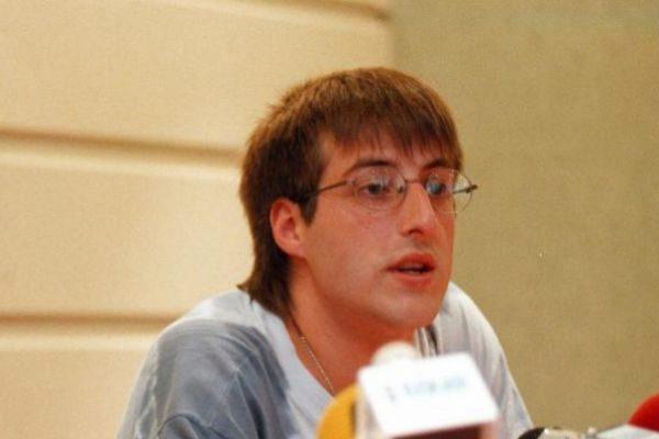 David Pla, en una imagen de 1998 durante una rueda de prensa de Jarrai.