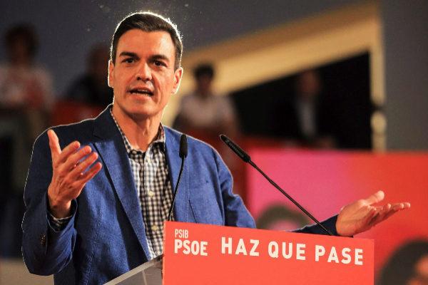El presidente del Gobierno, Pedro Sánchez, en un mitin.