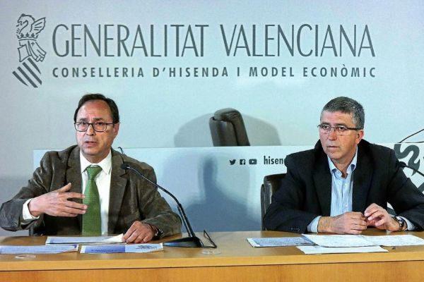 El conseller de Hacienda, Vicent Soler, junto al conseller de Economía, Rafa Climent, en una imagen de archivo.
