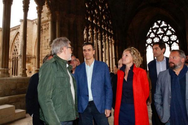 Pedro Sánchez, durante su visita a la catedral de Lleida.