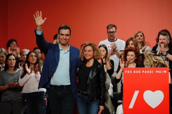 El candidato del PSOE, Pedro Sánchez, con Batet el jueves en Badalona