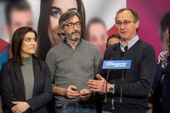 Alfopnso Alonso, Iñaki Oyarzabal y Leticia Comerón.