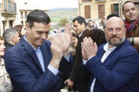 """Sánchez rectifica: irá a un debate el 22 en TVE y el 23 a Atresmedia y pide a la oposición que se abstenga de """"insultar"""""""