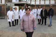 Tania Mercader, secundada por algunas de las 337 trabajadoras que en 1989 protagonizaron la huelga de Jaeger Ibérica, en Barberá del Vallés (Barcelona). Hoy la empresa se llama Magneti Marelli.