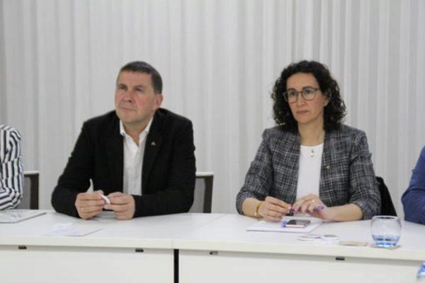 Otegi y Rovira en la reunión de Ginebra.