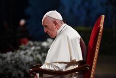 El Papa Francisco preside el Via Crucis de este Viernes Santo en Roma.