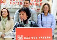 La candidata del PSOE por Álava, Isabel Celaá.