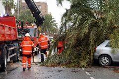 El temporal obliga a suspender mítines y cerrar puertos