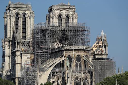 Andamios de la Catedral de Notre Dame de París después del incendio del pasado lunes.