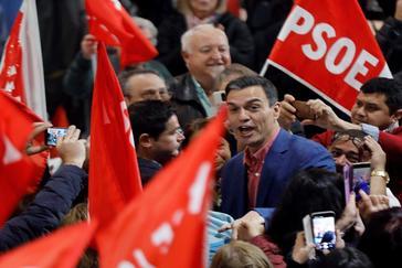 """Sánchez, a por el voto de Podemos: """"El PSOE es la única opción de vencer al bloque de derechas"""""""