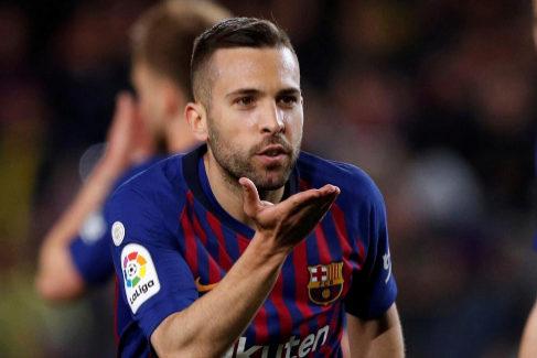 Un Barcelona al límite avista el título