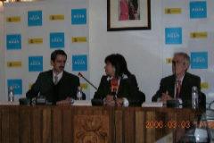 José María Ángel y Cristina Narbona durante la firma, en 2006, del acuerdo entre Acuamed y el Ayuntamiento de L'Eliana para la construcción de la planta desnitrificadora que ahora se está investigando.
