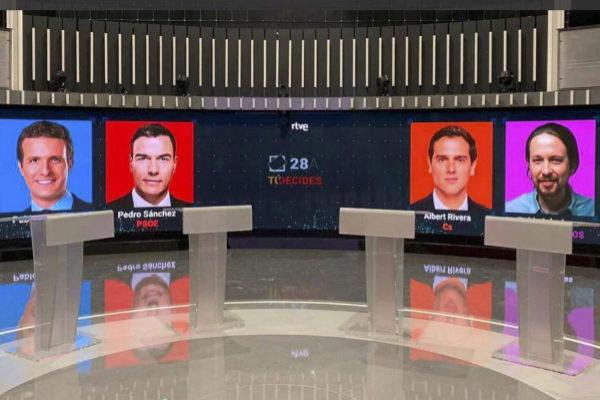 El plató de TVE para el debate a cuatro de este lunes.