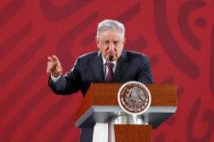 """MEX145. CIUDAD DE MÉXICO (MÉXICO).- El presidente de México, Andrés Manuel <HIT>López</HIT> <HIT>Obrador</HIT>, participa este miércoles durante una rueda de prensa en el Palacio Nacional de Ciudad de México (México). <HIT>López</HIT> <HIT>Obrador</HIT> retó a la oposición mexicana a llevar ante los tribunales el memorándum previo a la derogación de la reforma educativa y presentado esta martes por el Gobierno. """"Pueden proceder a la instancia que corresponda, es natural que se opongan a que se cancele la reforma educativa porque ellos la aprobaron"""", dijo el mandatario tras ser cuestionado por las críticas del Partido Acción Nacional (PAN) y el Partido Revolucionario Institucional (PRI)."""