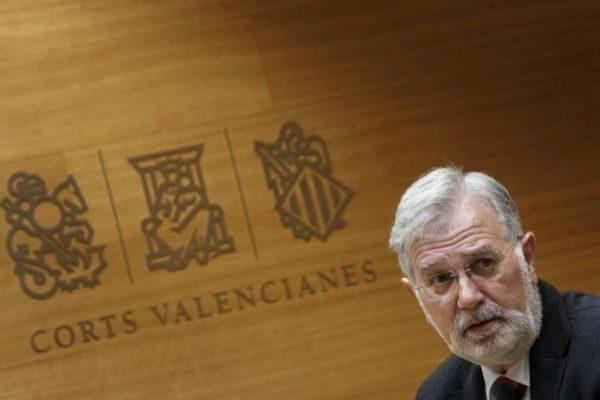 El presidente de la Institución Ferial Alicantina, José Luis Gisbert, en una comparecencia en la Cortes Valencianas.