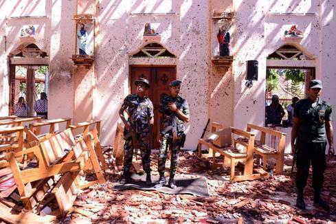 """Alerta máxima en Sri Lanka tras una cadena de atentados con  207 muertos: """"Era un río de sangre"""""""