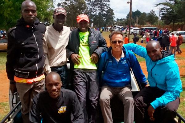 El representante de atletas Gerardo Prieto, en Kenia.