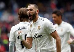 Benzema pide la reválida como 'nueve' del Madrid con tres goles al Athletic