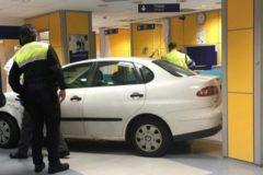 Empotra su coche en el servicio de Urgencias del hospital