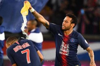 Homenaje a Notre Dame y regreso de Neymar en la fiesta por el título del  PSG