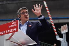 Patxi López en un acto de campaña.