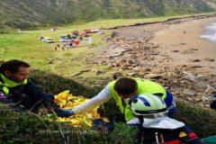 Los equipos durante el rescate del accidentado.