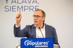 Alfonso Alonso en su intervención en Vitoria.