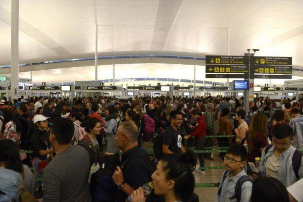 Viajeros en el aeropuerto de El Prat