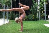 Los alucinantes vídeos de la postura de yoga que arrasa en Instagram