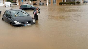 Las  lluvias obligan a un centenar de rescates en Jávea