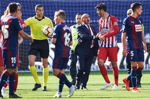 Imagen del partido entre Eibar y Atlético