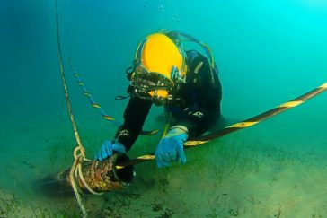 El nuevo cable con la Península costará el triple que el anterior