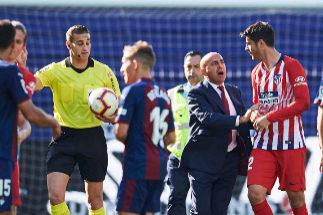 Alberola Rojas, 'a la nevera' por la colleja a Morata