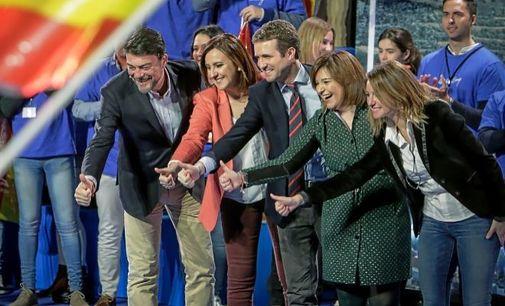 Pablo Casado, en Valencia, con sus candidatos de la Comunidad, Isabel Bonig, M. José Català, Luis Barcala y Begoña Carrasco, a principios de año.