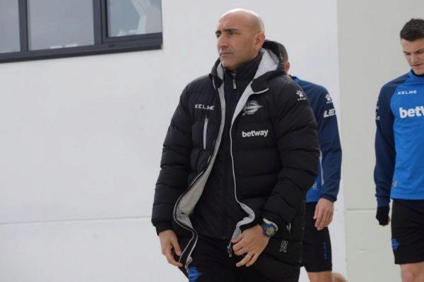 GRAFCAV3523. VITORIA.- El entrenador del Deportivo Alavés,...