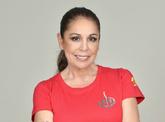 La cantante Isabel Pantoja posa para la fotografía oficial como...