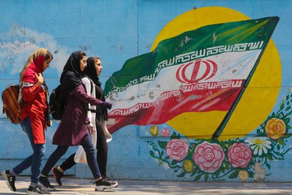 Irán confirma la pena de prisión y latigazos de la abogada Nasrin Sotude