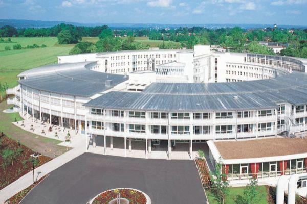 El hospital Schön Klinik Bad Aibling al este de Múnich, Alemania, donde la paciente recuperó la conciencia.