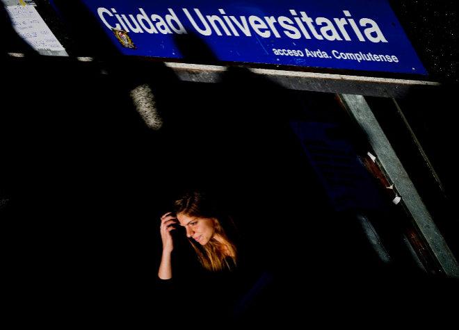 Una joven en Ciudad Universitaria.