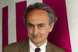 El poeta y novelista José Carlos Llop en Madrid.