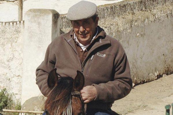 Fernando Cuadri a caballo en una de sus fincas de Trigueros (Huelva)