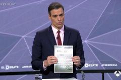 """Pedro Sánchez muestra la supuesta """"lista negra"""" de Ciudadanos"""